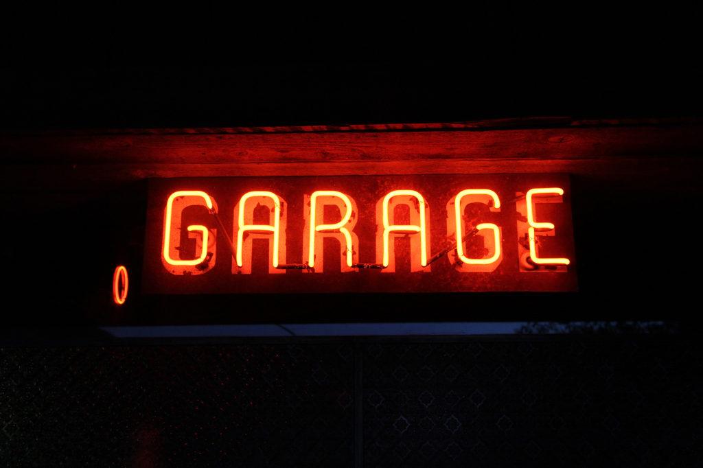 Garage Neon2